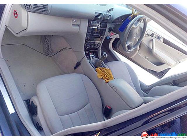 Mercedes-benz 220 2004