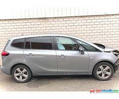 Opel Zafira Tourer 2015