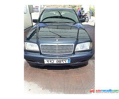 Mercedes-benz 220 1999