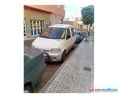 Nissan Vanette Cargo 2002