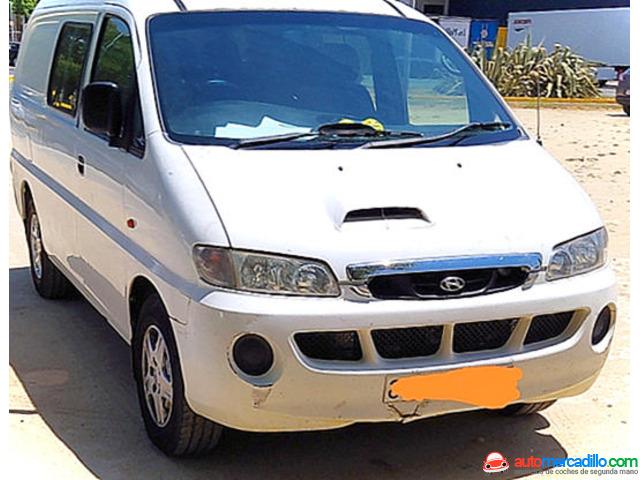 Hyundai H-1 2004