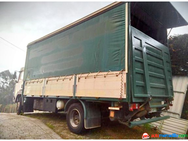 Nissan Camion