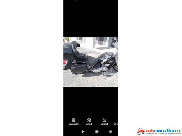 Suzuki Intruder C 800